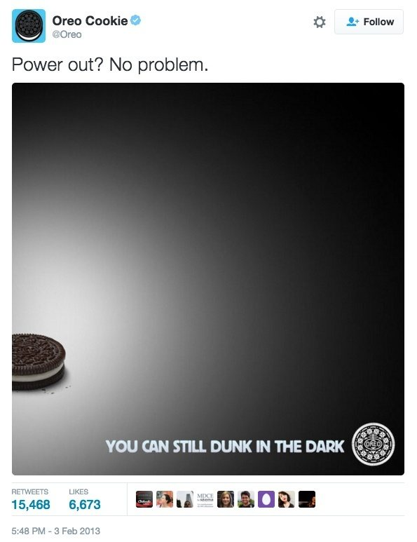 """This picture shows how Oreo used """"moment marketing"""" to generate brand awareness and go viral during Super Bowl XLVII."""