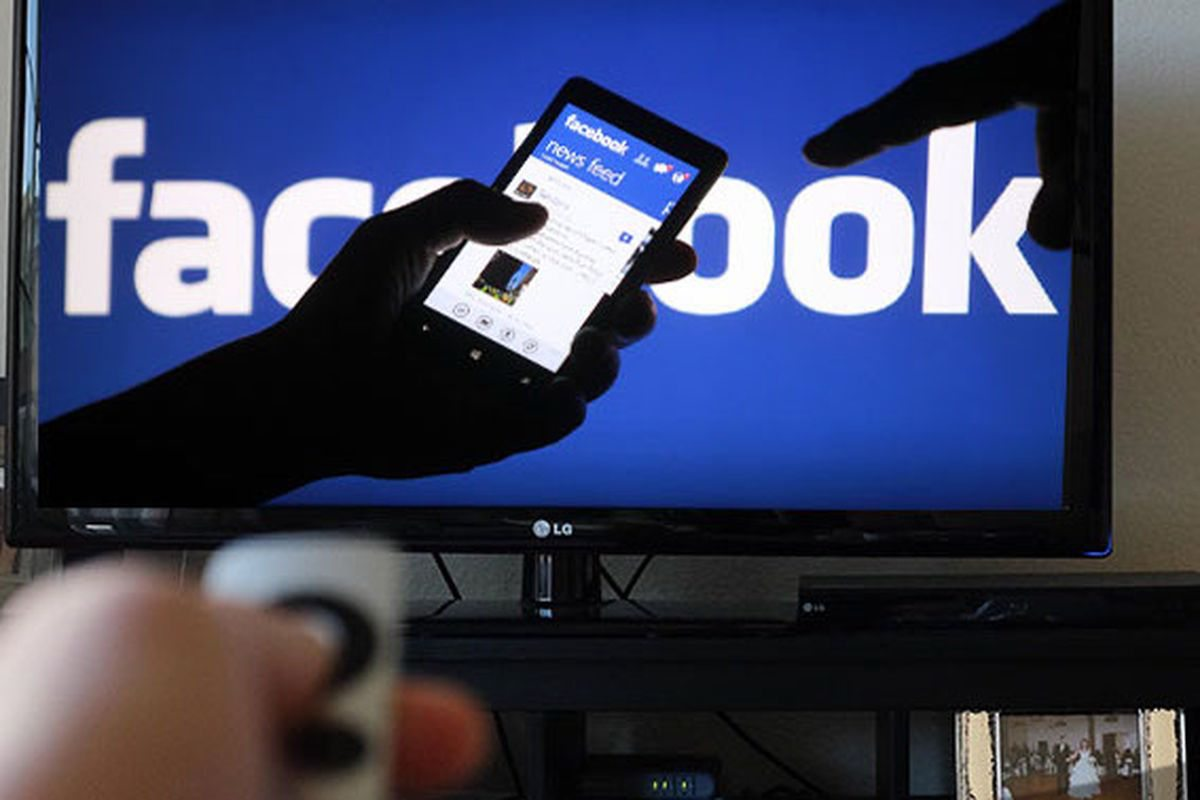 This picture shows marketers how Facebook users can watch videos on the Facebook TV app.